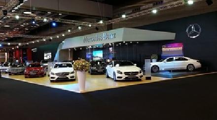 مرسيدس تخطف الأنظار في معرض دبي للسيارات 2015