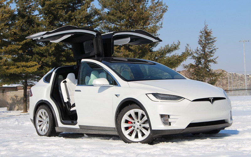 Watch: Tesla Model X has the Lowest Rollover Probability