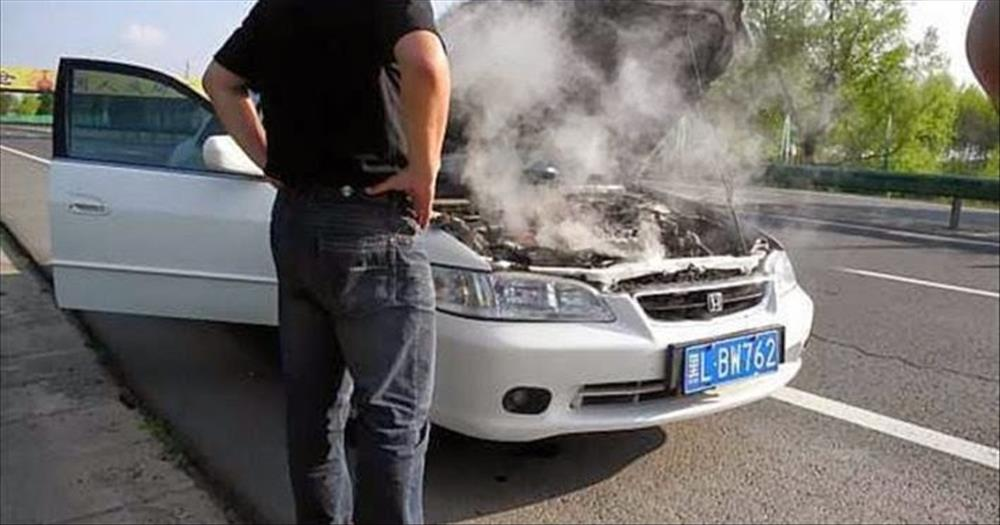 Should you leave the car engine awhile before turning it off after a long drive?