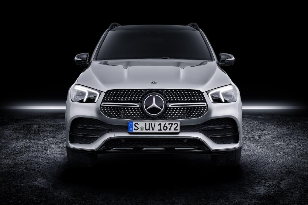 """Mercedes unveils the new car """"GLE"""""""