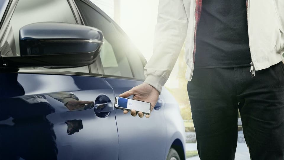 Here's how Apple's new Car Key feature works