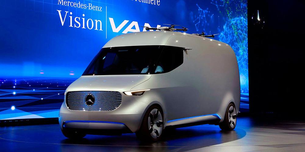 مرسيدس تخطط للتعاون مع تيسلا في تطوير سيارة كهربائية