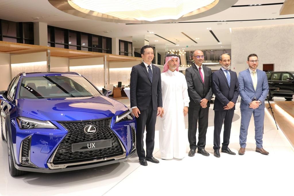 شركة عبد الله عبد الغنى وإخوانه تطلقلكزس UXالكروس-أوفر الجديدة كلياً