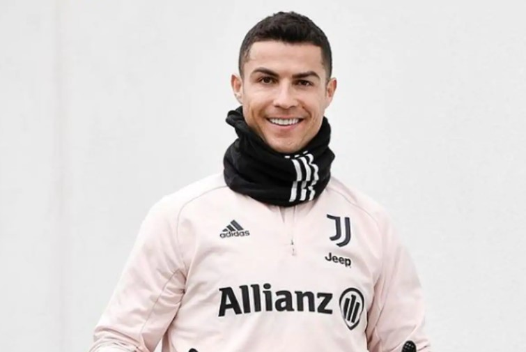 Ronaldo buys a car at a crazy price. What's the car and how much is it?