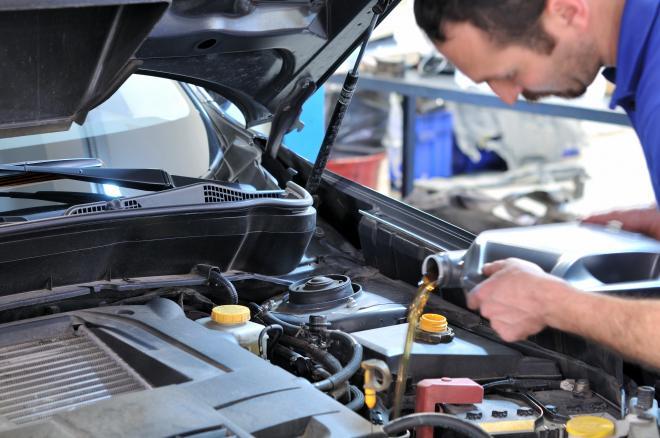 كيف تختار زيت محرك سيارتك المناسب في فصل الشتاء؟