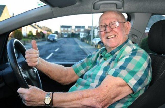 تعرف على التقنيات التي يجب أن تتوفر في السيارات للمسنين