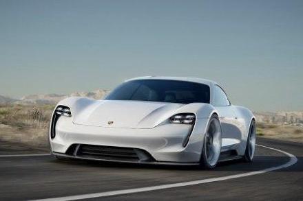 بورش تقرر إنتاج السيارة الكهربائية Mission E