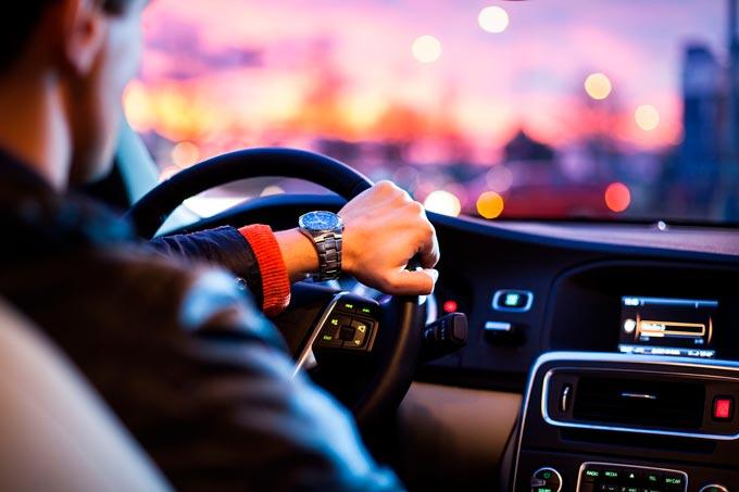 دليلك الكامل للحصول على رخصة قيادة في قطر