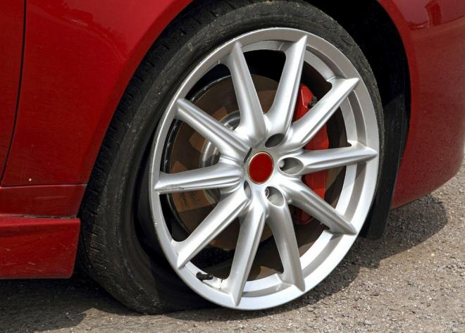 6 Warning Signs to Look for New Tires