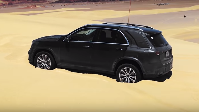 Watch: 2020 Mercedes-Benz GLE450 Free Itself from Sand Pit