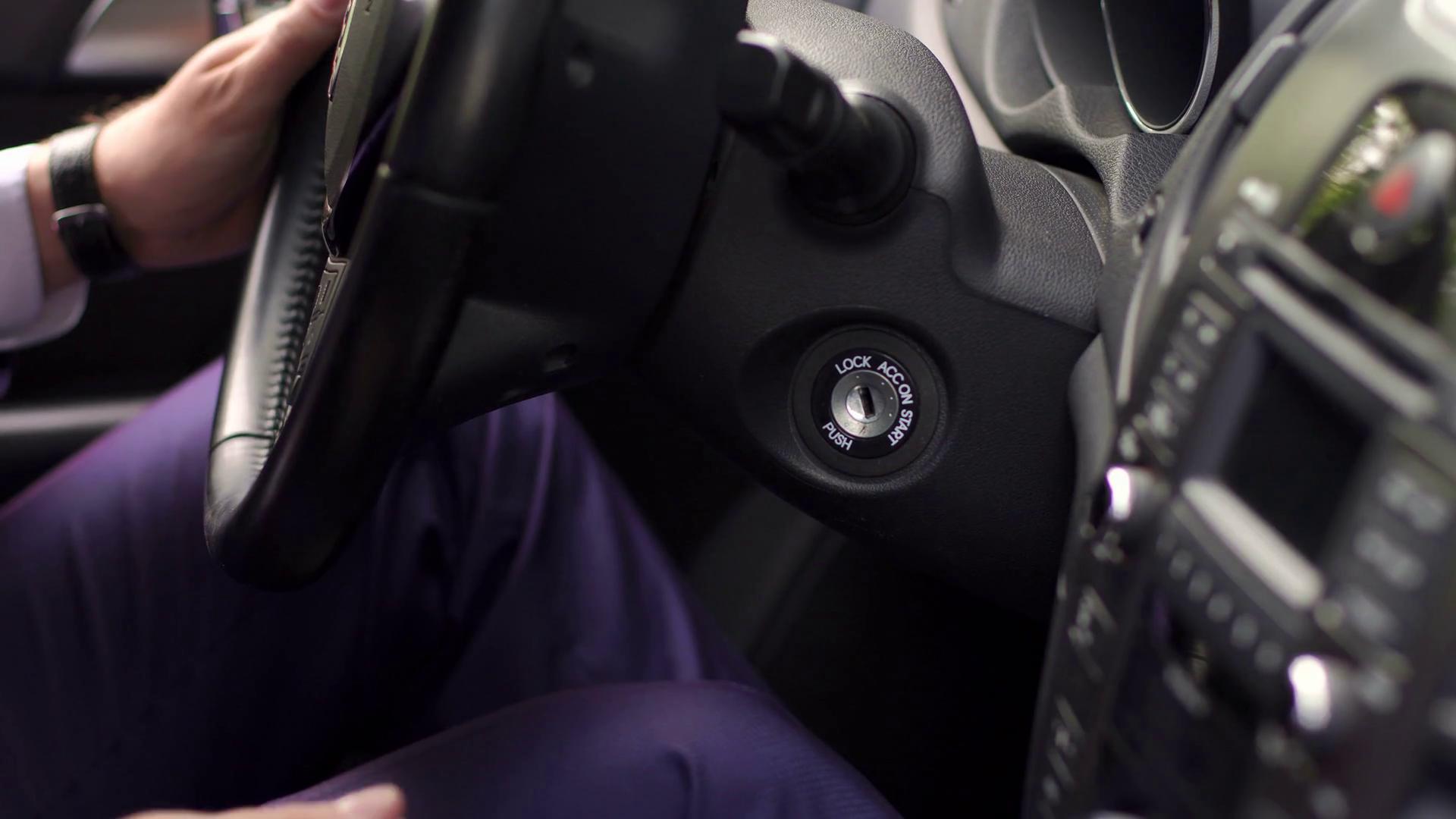 كيف تزيل مفتاح السيارة المكسور بدون خسائر؟