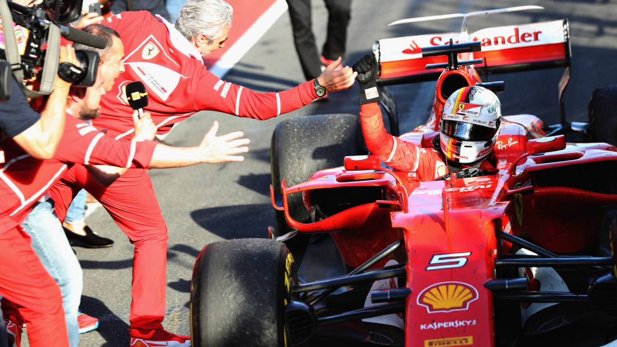 A software Glitch makes Vettel's Ferrari win the Australian Grand Prix