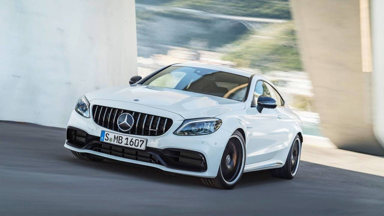 Mercedes reveals the new car AMG C63 2019