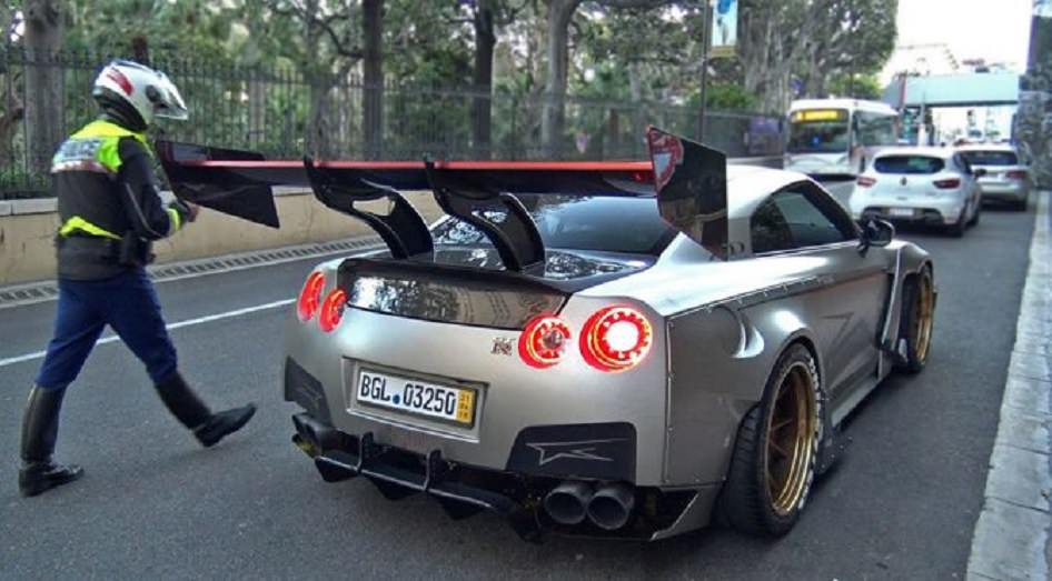 Watch How the Police Stopped a Modified Nissan in Monaco