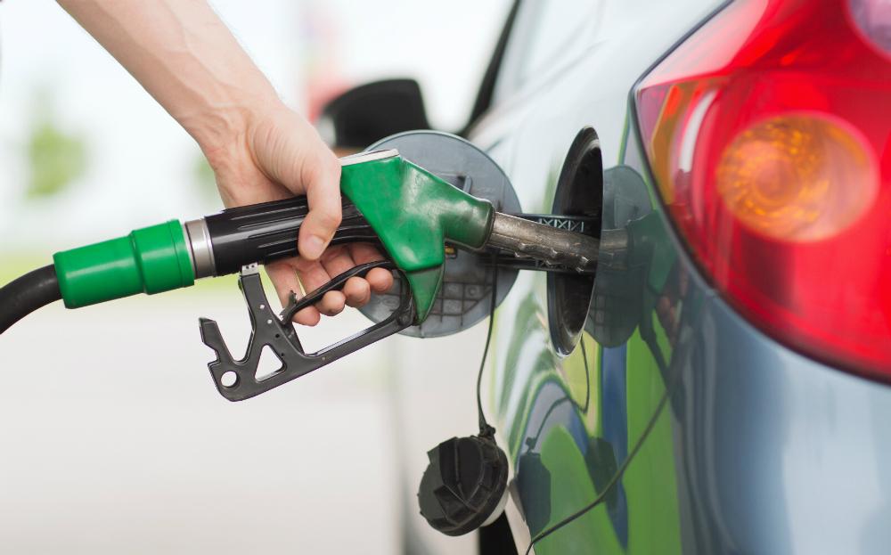 أسعار الوقود تنخفض في أكتوبر