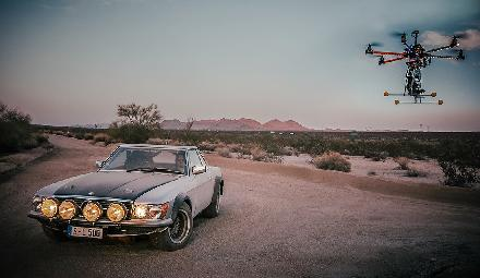 The Mercedes-Benz 500 SL Rallye goes on an expedition in the Joshua Tree National Park
