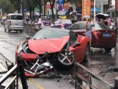 A Chinese woman destroys Ferrari in huge crash
