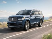 Lincoln Navigator ..  A Yacht with 4 wheels