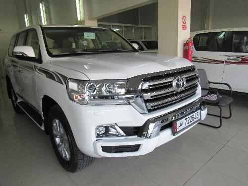 Toyota Land Cruiser GXR v8 2017