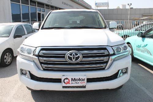 Toyota Land Cruiser GXR v8 2016