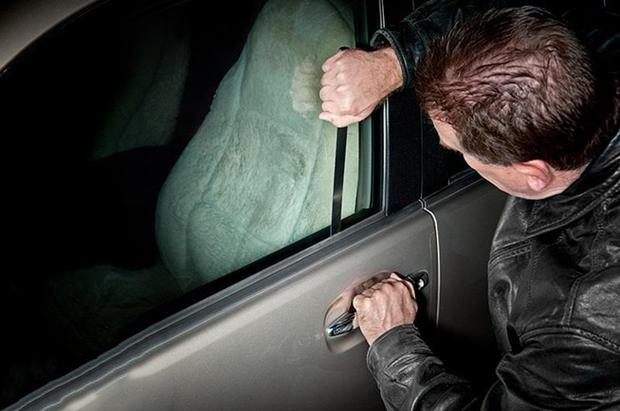 How To Unlock A Door Without A Key >> How To Unlock Your Car Without Keys Q Motor